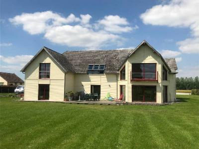 Stunning Detached House, Great Location