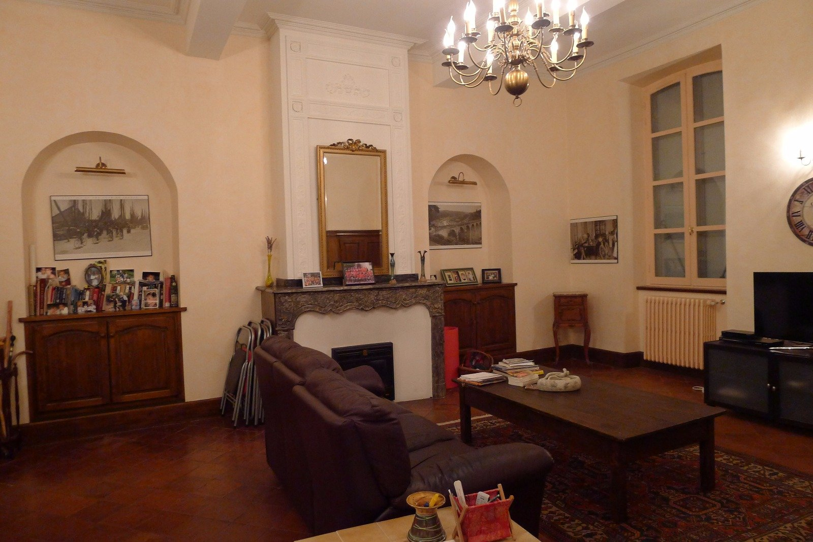 Beautiful Large House With Garage, Garden and Independent Apartment