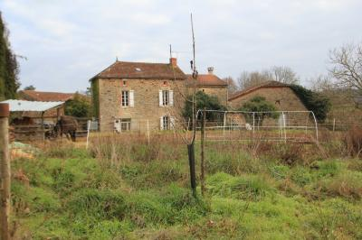 Farm House with Outbuildings on 2.7 Hectares