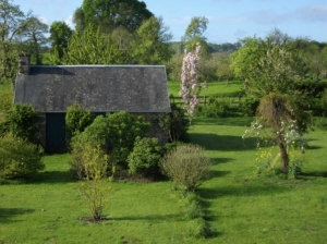 Substantial Country House, Nice Plot