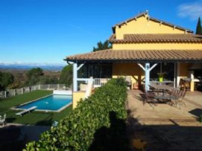 Villa with Guest Gite and Pool