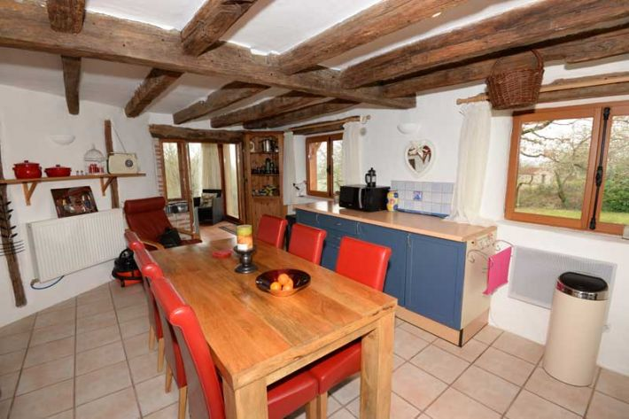SLD02451 - Under Offer with Cle France