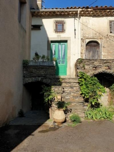 Cute Renovated Village House With 40 M2 Of Living Space, An Ideal Holiday Base !