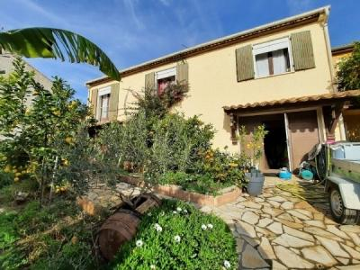 Villa With Lovely Courtyard with Plunge Pool