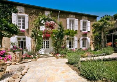 Beautiful Character House with Apartment, Stables, Indoor Pool