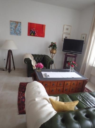 Pretty Maison De Maitre With Main Residence And Apartment With Garden, Good Revenue And Views !