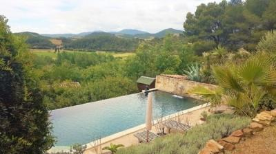 Architect Villa On A 1245 M2 Plot With Pool And Magnificent Views !