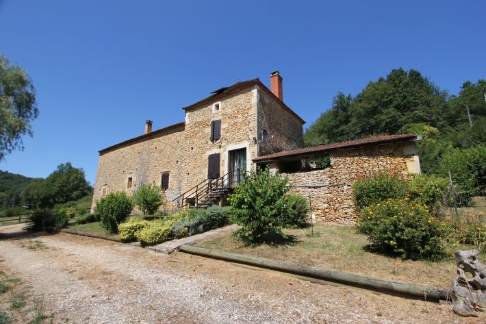 Country House with Barn on 1.75 Hectares