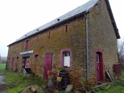 Vast Countryside Barn to Renovate