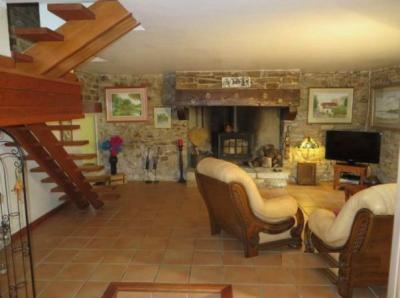 Ideal Equestrian House For Sale