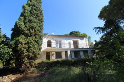 SLD02523 - Under Offer with Cle France
